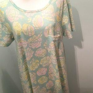 XL Carly LulaRoe Roses